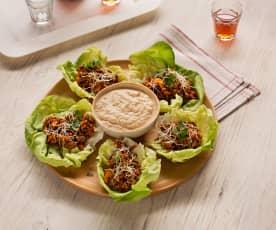 Salattacos mit Linsenfülle und Tofudip