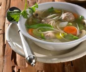 Gemüsesuppe mit Kalbfleischklößchen