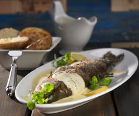 Lachsforelle mit Senf-Hollandaise und Ofenkartoffeln