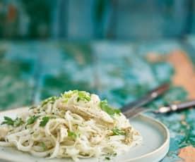 Frango com noodles de arroz