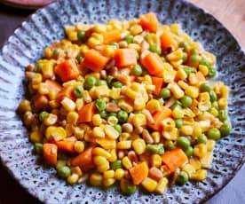 Mais mit gerösteten Pinienkernen