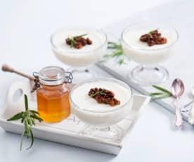 Pianka ze zsiadłego mleka z orzechami włoskimi w miodzie