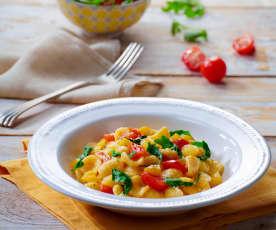Orecchiette con pomodorini, rucola e patate