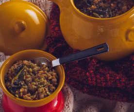 Minestra al cavolo nero, lenticchie e piselli spezzati