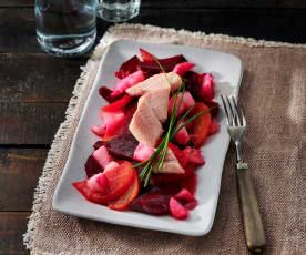 Bunte Bete Rettich Salat mit Räucheraal