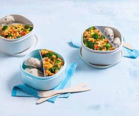 Ryż z warzywami i kotleciki z indyka i pieczarek