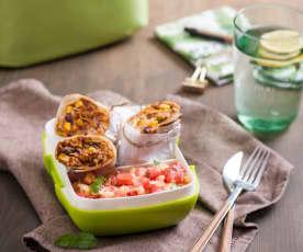 Wegańskie burrito i salsa pomidorowa z ananasem