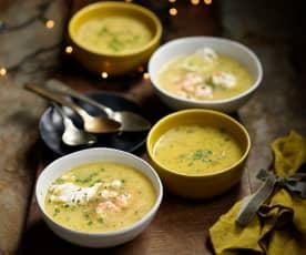 Sopa alentejana com camarão e ovo escalfado