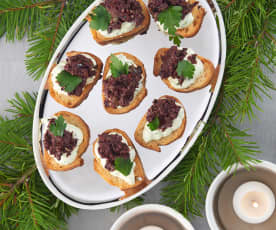 Herbed Goat Cheese Crostini with Tapenade