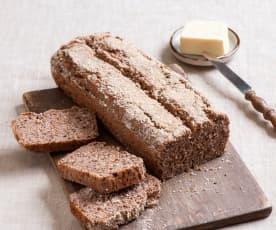 Bezglutenowy chleb z kaszy gryczanej, jaglanej i ryżu