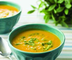 Sopa de zanahoria y espinacas