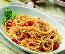 Spaghettini aglio, olio e pomodorini