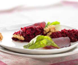 Rote-Bete-Salat mit Äpfeln und Nüssen
