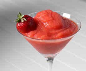Gefrorener Erdbeer-Daiquiri