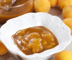 Meruňkový kompot se skořicí