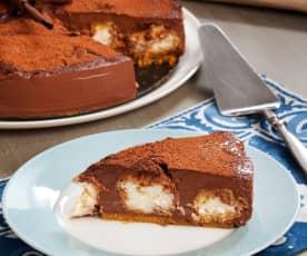 Torta al cioccolato con profiteroles