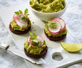 Avocado-Erbsen-Hummus