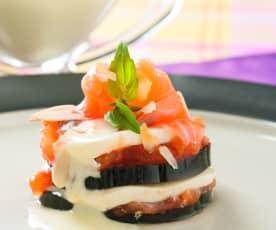 Milhojas de berenjenas con salsa de yogur y mostaza