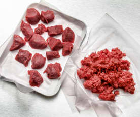Minced raw meat