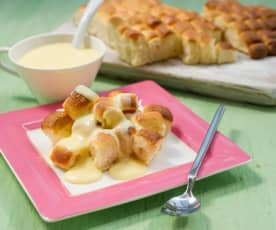 Dukátové buchtičky s vanilkovou omáčkou