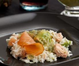 Ensalada nórdica de arroz y salmón con aliño de eneldo
