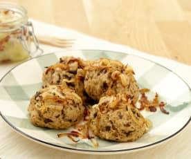Knedlíky z bramborového těsta s houbami