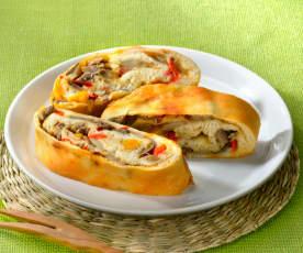 Rotolo mit Pilzen und Peperoni