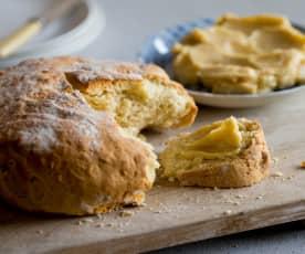 Pane australiano con burro dolce