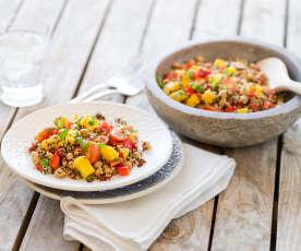 Quinoa salát s cizrnou a mangovou salsou