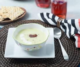 Sopa de manzana con queso azul y chipotle