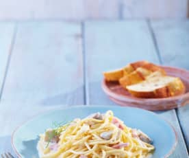 Espagueti con champiñones y tocino