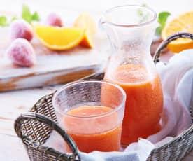 Sok z mango, pomarańczy i truskawek