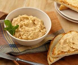 Jemná sýrová pomazánka s lískovými ořechy