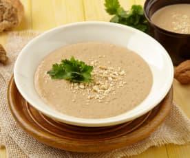Ořechová polévka s kokosovým mlékem