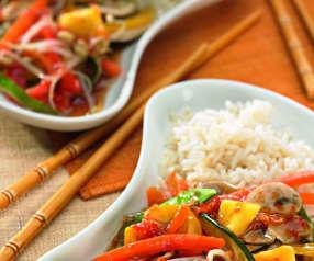 Legumes ao vapor com molho agridoce e arroz