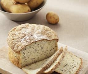 Bolla de pan de patata y sésamo negro