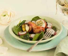 Pikantní jarní vejce ve slaninovém kabátku