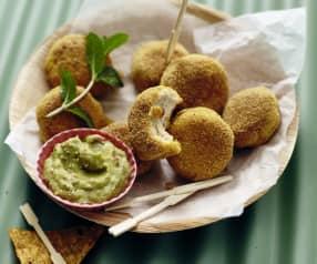 Hähnchen-Nuggets (scharf) mit Guacamole
