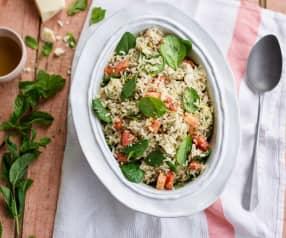 Salada de arroz com frango e pesto de hortelã