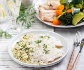 Filet z białej ryby, ziołowy ryż i warzywa na parze