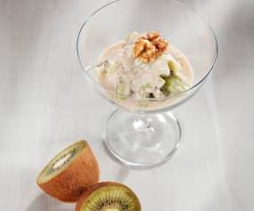 Postre de kiwi con salsa de yogur y vainilla