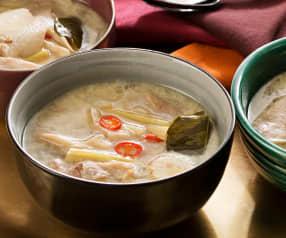 Sopa de pollo y leche de coco (Tom kha kai) - Tailandia