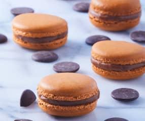 Macarrones de chocolate con merengue suizo