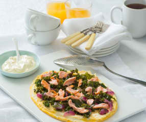 Soufflé omelette with hot smoked salmon