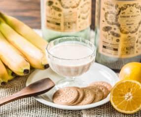 Yogur de plátano, naranja y galletas
