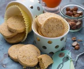 Biscotti al burro, nocciole e carote