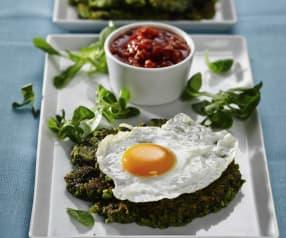 Bulgurovo-špenátové placky s vejci a rajčatovým čatní