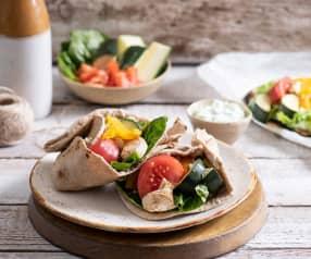 Tortilla razowa z kurczakiem i warzywami