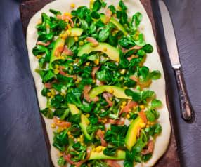 Pizza Gourmet con salmone e avocado