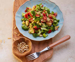 Brokkolisalat mit Pinienkernen